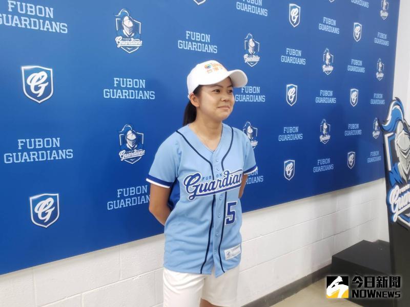 中職/想和胡金龍切磋高球 徐薇淩:聽說他開球開很遠