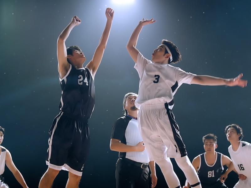 ▲▼老蕭(綁頭帶者)拍攝《灌籃高手》手遊廣告,展現球技。(圖/喜鵲娛樂)