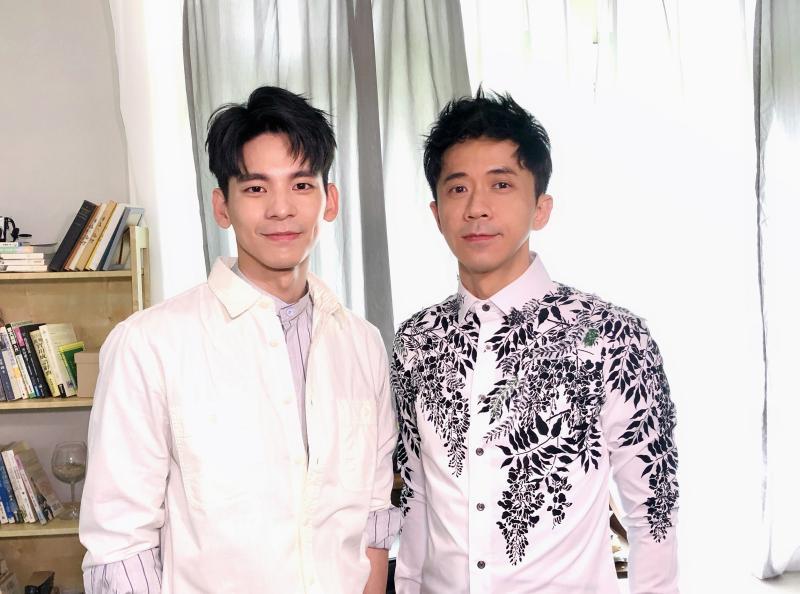 ▲林柏宏(左)擔任光良新歌的MV男主角。(圖/星娛音樂提供)