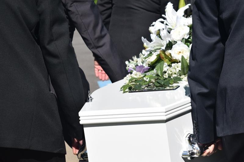 台灣葬禮繁瑣又昂貴 只是怕親戚講閒話?