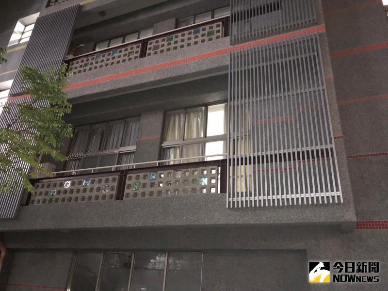 ▲死者陳屍位置,北棟2樓諮商室。(圖/記者陳聖璋攝)