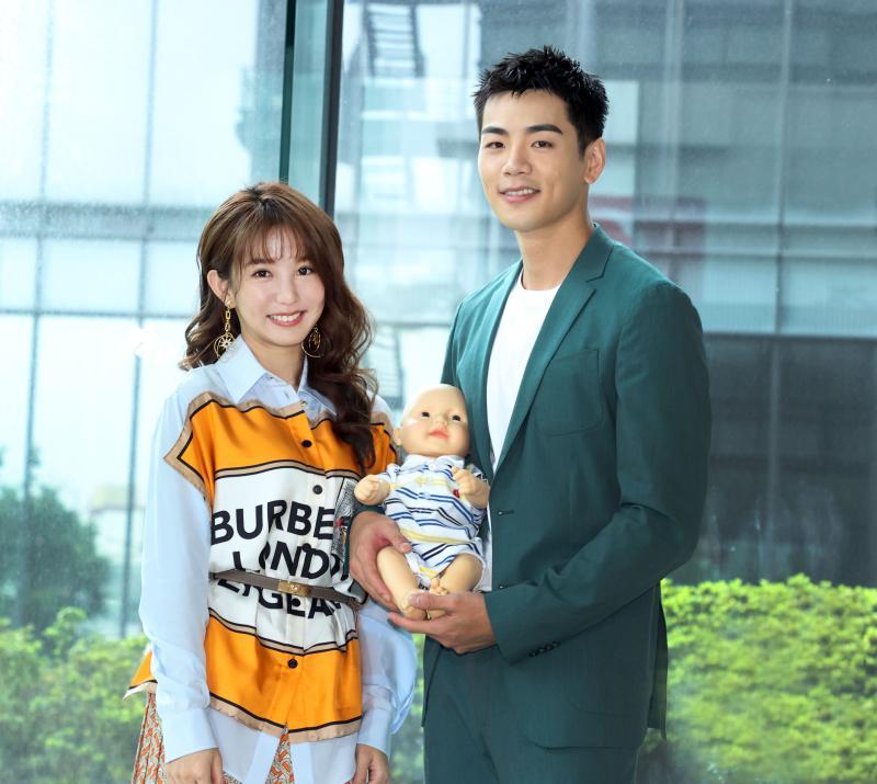 ▲郭書瑤(左)、禾浩辰主演《未來媽媽》。(圖 / 三立提供)