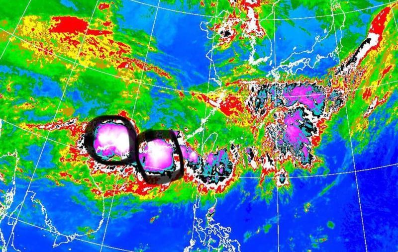 ▲梅雨鋒面「致災性豪雨」來襲,氣象專家賈新興提醒民眾注意安全。(圖/翻攝自賈新興臉書)