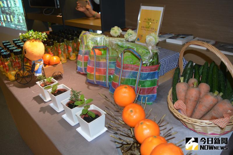 ▲未來一年嘉大新民校區溫室中生產之當季安全蔬果,將固定提供給福泰桔子商旅。(圖/記者郭政隆攝影2020.5.22)