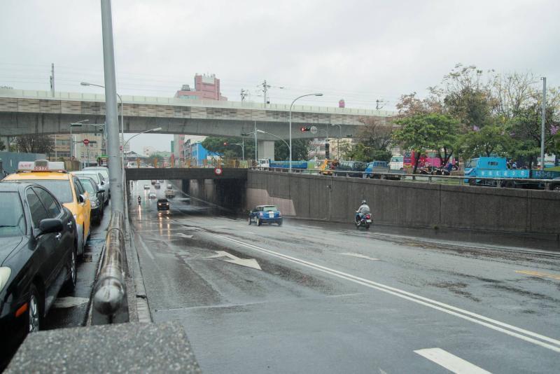 等40年美夢成真 東區建成路地下道填平開工