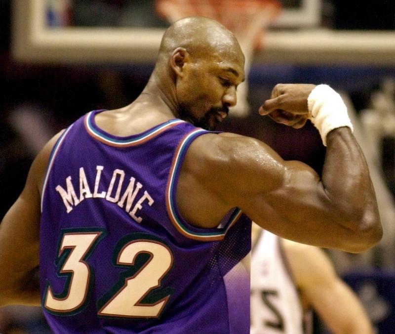 NBA/曾塗黑臉扮演名將馬龍 知名脫口秀主持人道歉了