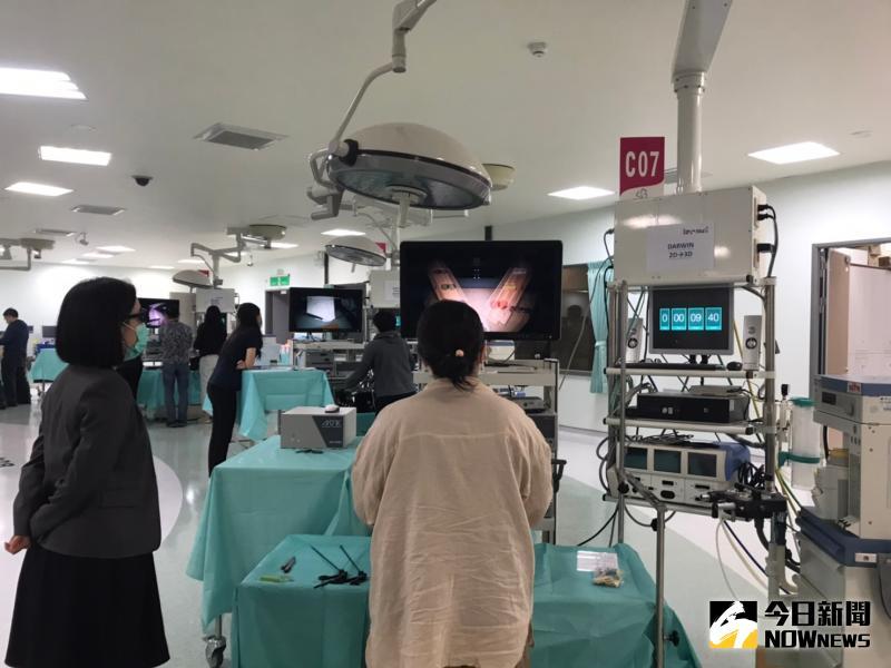 ▲醫療科技日新月異,尤其是微創手術不只技術在進步,器械的效能也突飛猛進。(圖/記者陳雅芳攝,2020.05.23)