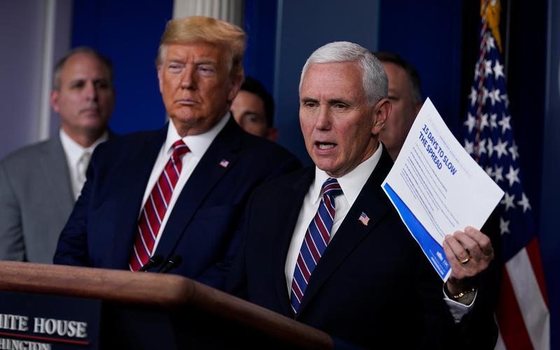 ▲美國副總統彭斯於白宮簡報會上,公布自己的病毒篩檢結果。(圖/美聯社/達志影像)
