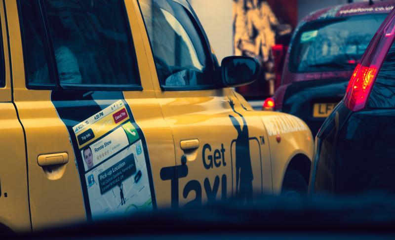奧客拒付車資!計程車司機遭「吐口水」 染疫3周病逝