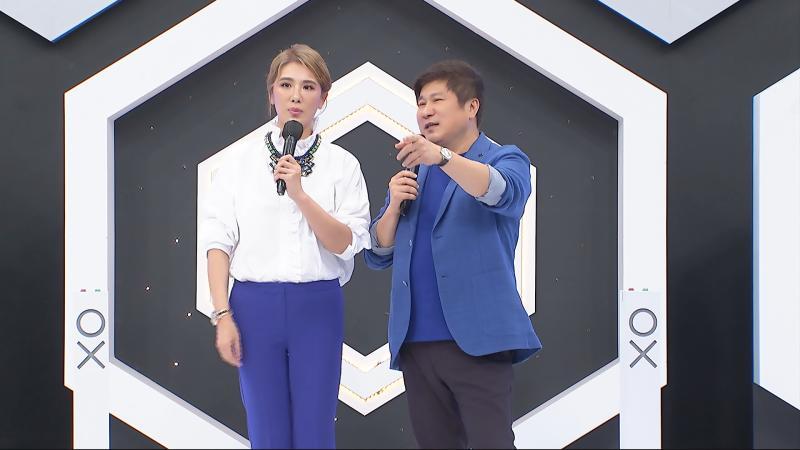 ▲小禎(左)自曝當時結婚想省宴客桌花的錢。(圖