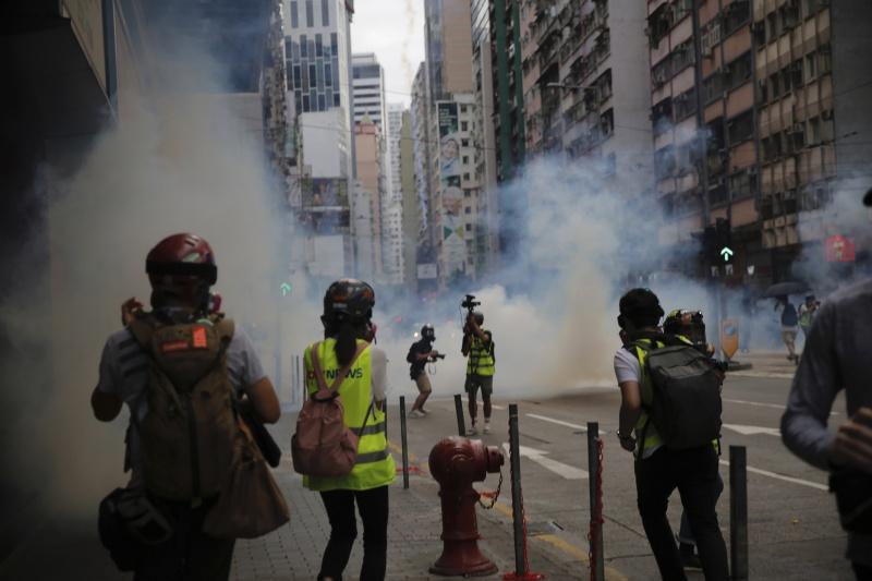 ▲由於港版國安法的推行,香港 24 日再出現示威抗議潮。(圖/美聯社/達志影像)