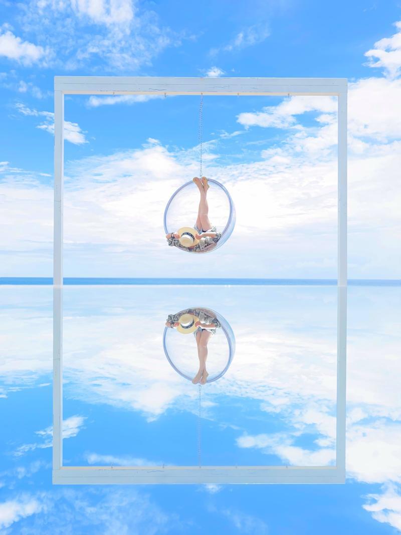 ▲達哥會帶著各種道具,幫大家拍出「海球天鏡」的效果。(圖|達哥逍遙遊提供)