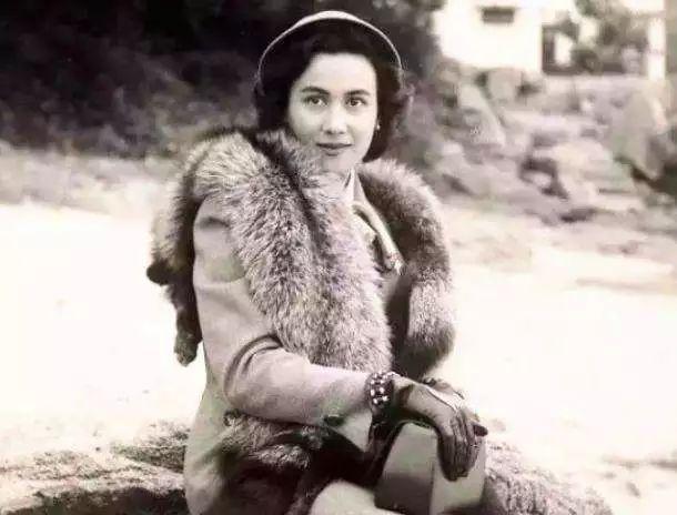 ▲何鴻燊的第一任妻子黎婉華。(圖/翻攝自網路)
