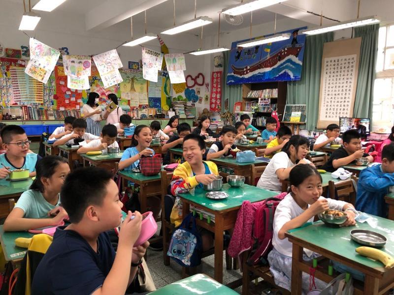 ▲新北市大力推廣多元文化與國際飲食教育,目前已從新北7所自立廚房學校做起。(圖/新北市教育局提供)