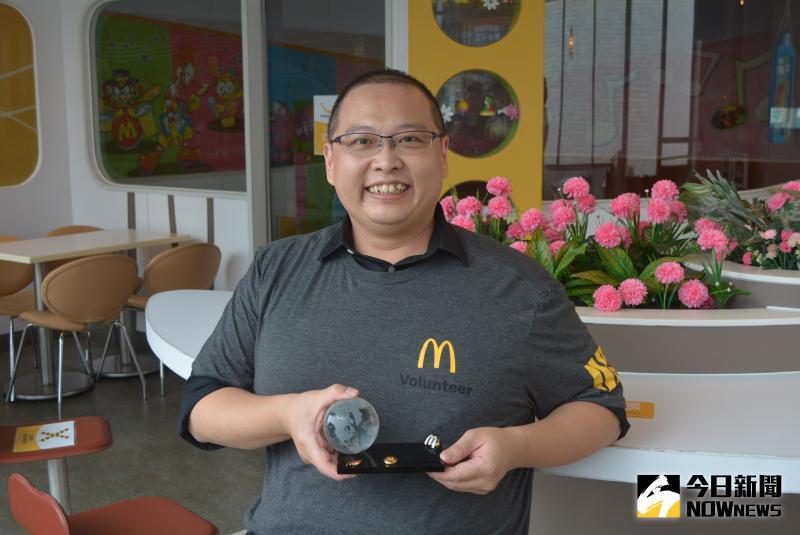 經營餐廳賣人情味 他捐出全球志工獎2萬5000美金