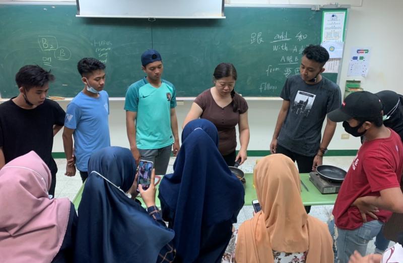 印尼生烹調齋戒美食 環科大落實體驗式學習