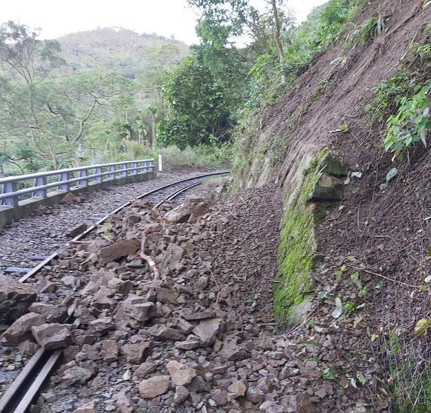 阿里山林鐵嘉義至十字路土石滑落 可能延到6月2日才復駛