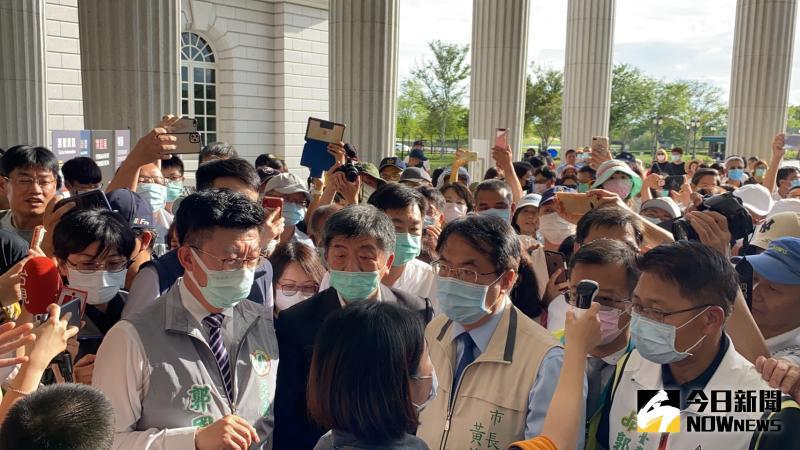 ▲阿中部長由台南第一站來到奇美博物館。(圖/記者陳聖璋攝,2020.05.30)
