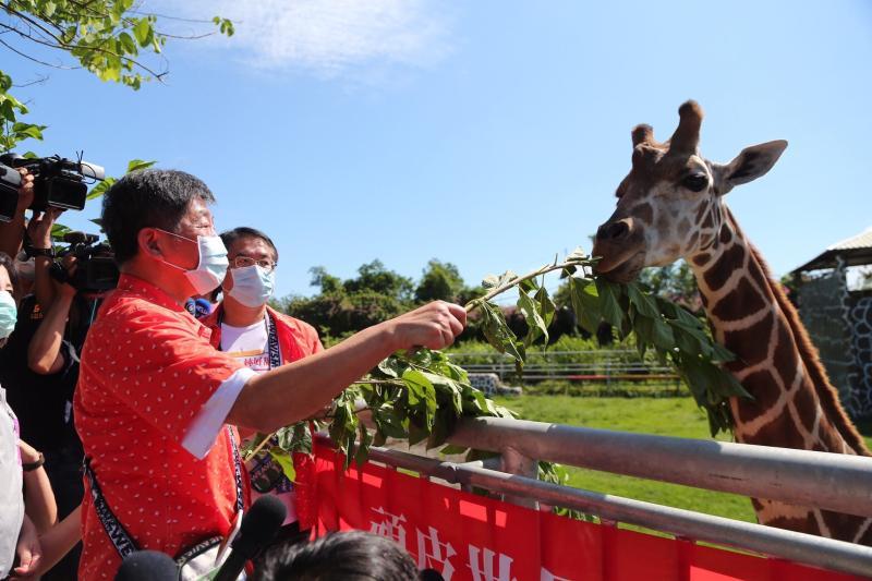 ▲衛福部長陳時中赴台南參訪。(圖/台南市政府提供)