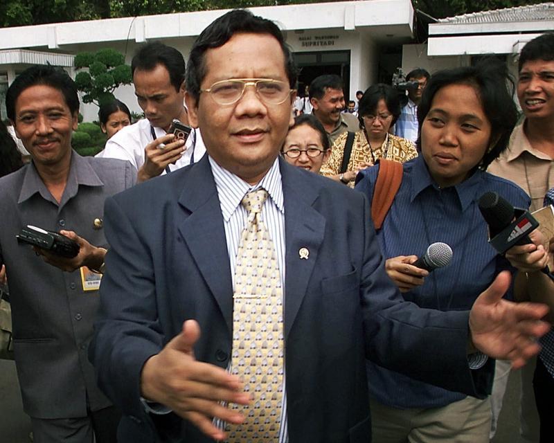 印尼部長驚語「新冠病毒像妻子一樣難管」 挨轟性別歧視