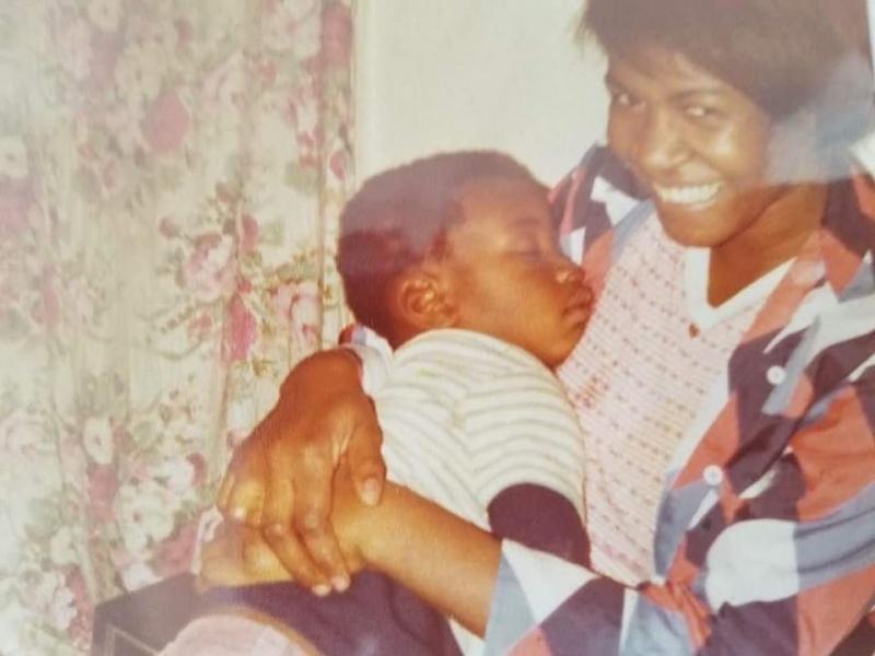 死前仍惦念喊「媽媽」!慘死非裔男幼年照曝 眾人齊淚崩
