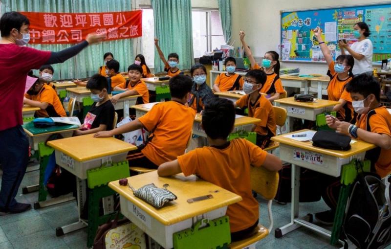 ▲中鋼公司舉辦小港區各國小六年級學生鋼鐵之旅活動。(圖/記者黃守作攝,2020.06.01)