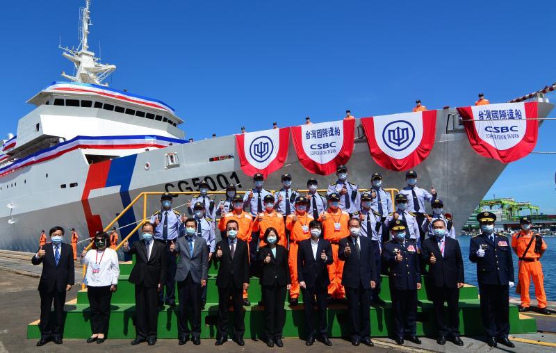 ▲行政院海洋委員會海巡署艦隊分署首艘4000噸級巡防艦舉行命名及下水儀式。(圖/記者黃守作攝,2020.06.02)