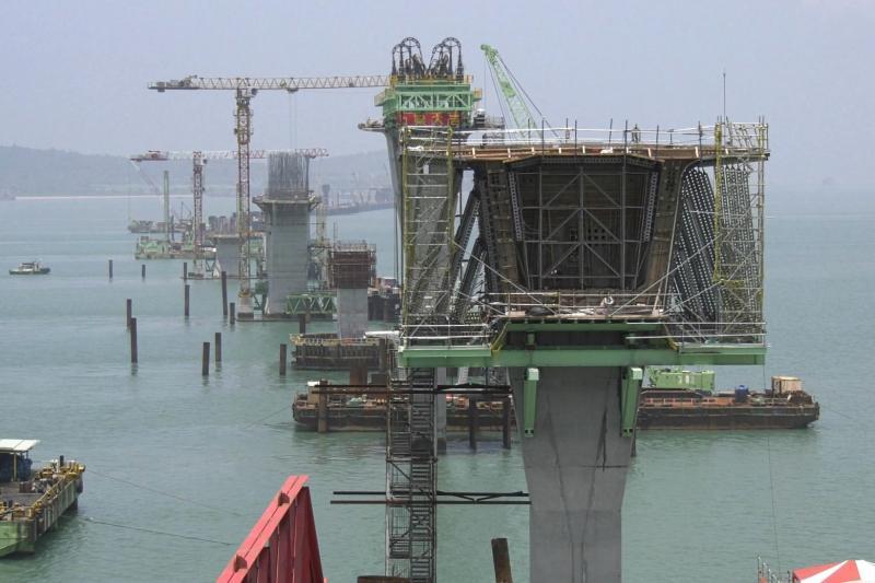 ▲金門大橋預計明年下半年完工。(圖/記者蔡若喬攝)