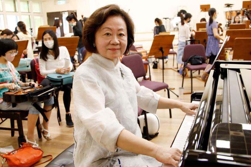 專訪/陳郁秀為貝多芬拾琴鍵 公廣集團董座的浪漫與理性