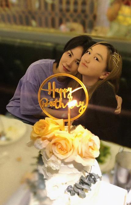 ▲李嫣(右)日前與媽媽王菲共度生日。(圖/翻攝微博)