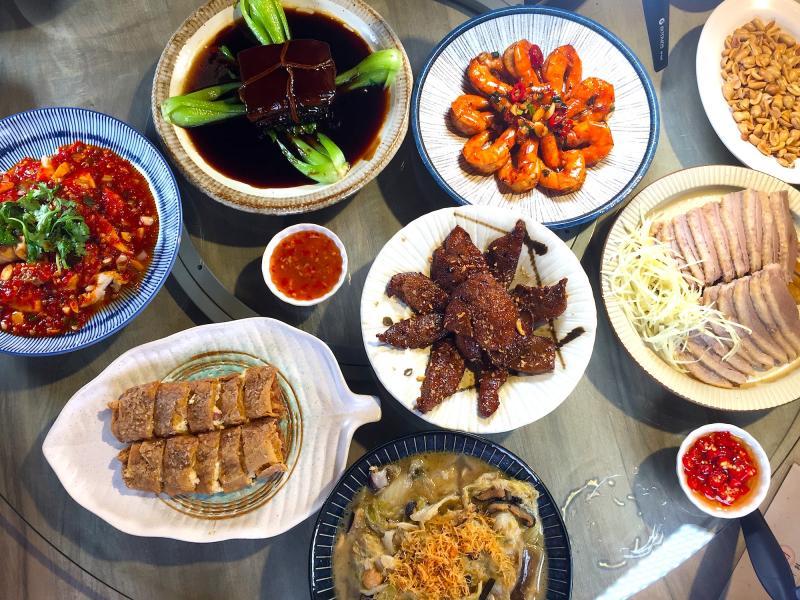 台菜老店二代接手 招牌煙燻鵝、鮮濃芋頭米粉佛心價上桌