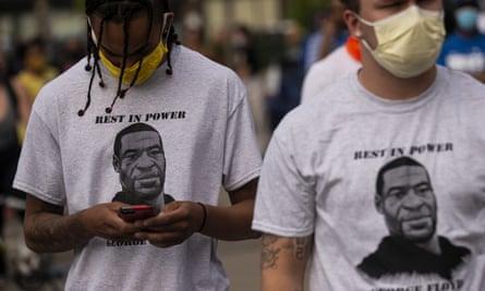 ▲美國民眾上街抗議非裔男子佛洛伊德(