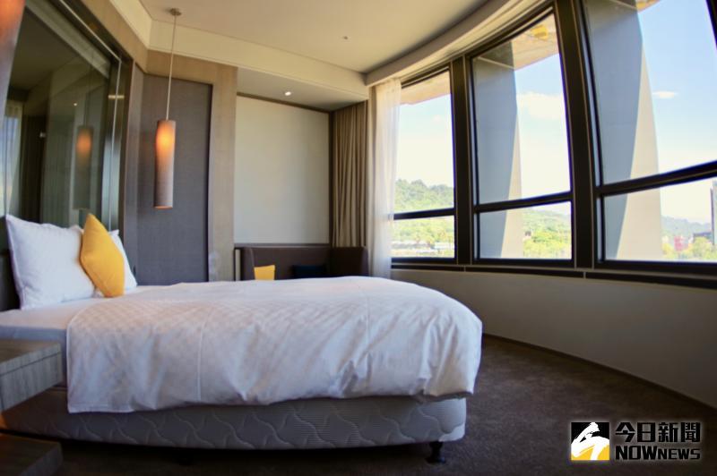 ▲全館僅 5 間的套房,臥室獨享環景視野的風景。(圖/記者陳致宇攝)