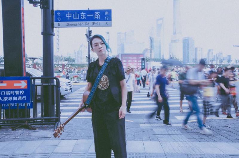 ▲張芸京考上街頭藝人證照。(圖/翻攝張芸京臉書)