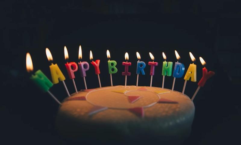 連被3位算命師預言「活不過20歲」!她慶生吸引萬人祝賀