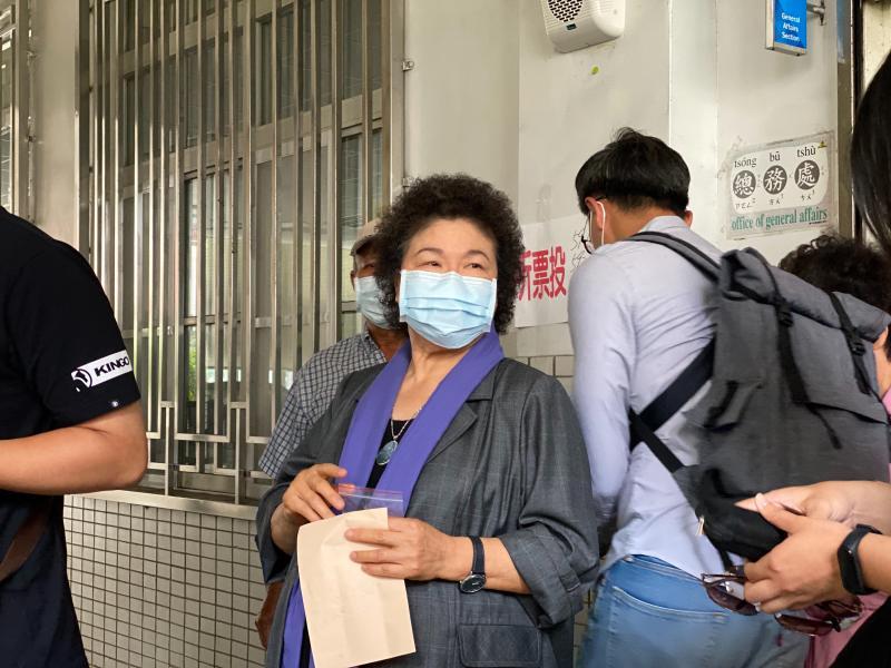 花媽現身!前高雄市長陳菊投票:善盡我的責任