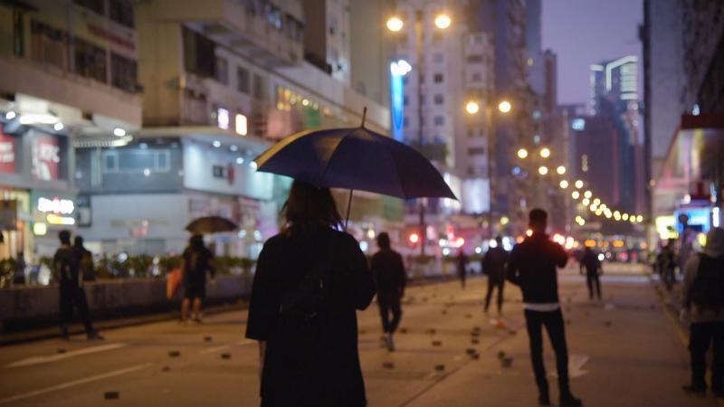 《藝術很有事》探討反送中 直擊香港「民間版國歌」內幕