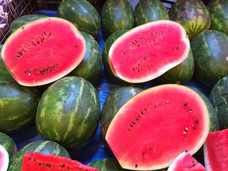 如何挑出「皮薄多汁」的西瓜?醫師揭4訣竅:不用再拍打