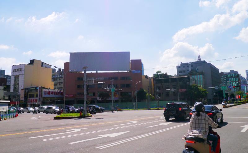 ▲大通地產取得的後壠子段位在台中西區市中心,就在台灣大道和五權路的「黃金交叉經濟線」,將推出2-3房精緻型豪宅產品。(圖/公關照片)