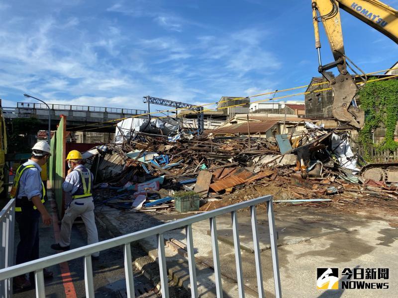 南鐵拒拆戶「前鋒路張家」今清晨遭強制拆除