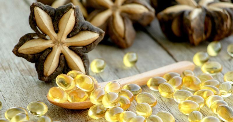 ▲印加果油因富含Omega-3.6.9不飽和脂肪酸,而成為最近保健食品的熱門選擇。(圖/shutterstock)