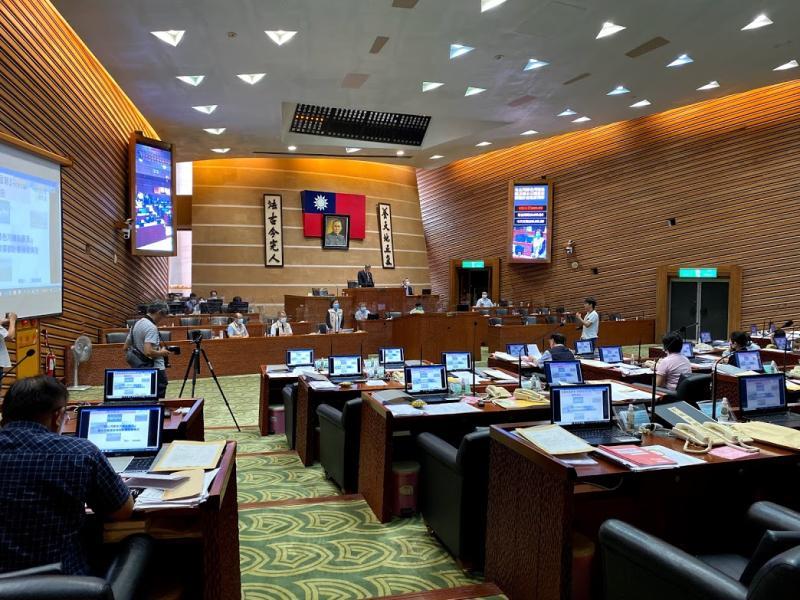 宜蘭縣議會今(11)日通過臨時動議案,建議縣政府將釣魚台正名為「頭城釣魚台」