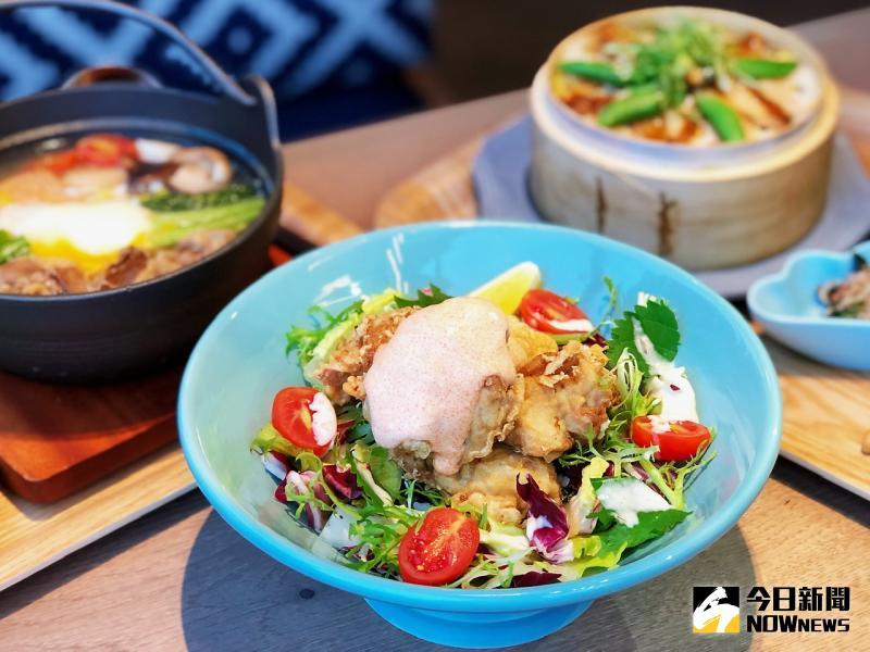 ▲「明太子炸雞丼」以豐富的蔬菜呈現色彩繽紛的視覺感受,口味獨特的明太子醬,搭配外酥內嫩的和風炸雞,實在絕配。(圖/記者陳美嘉攝)