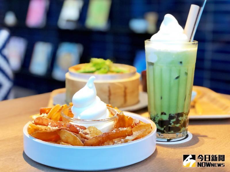 ▲甜點、飲品與高雄限定的「霜淇淋」搭配,不僅暑氣全消,外型還十分討喜。(圖/記者陳美嘉攝)