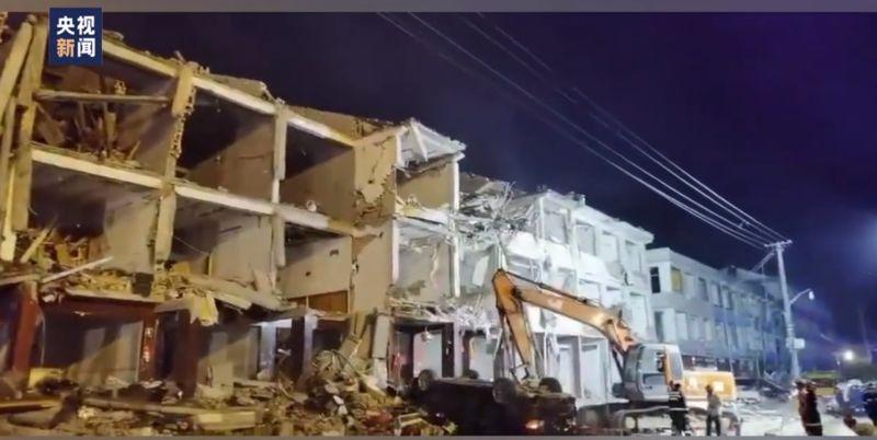 ▲附近住宅損毀嚴重。(圖/翻攝自央視新聞)
