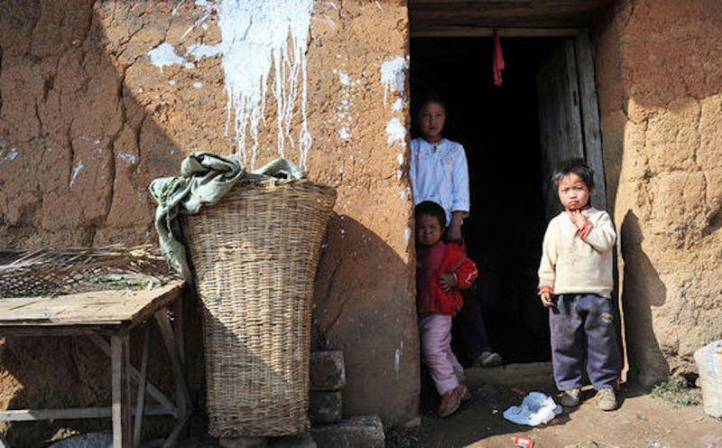 ▲中國經濟發展快速,但農村人口貧困仍是問題。(圖/翻攝自《經濟學人》)