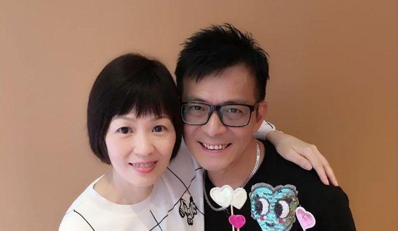 ▲港星黃日華的太太梁潔華(左)病逝,今日舉辦告別式。(圖/黃日華微博)