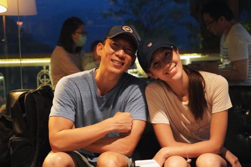 ▲隋棠(右)和老公Tony帶著孩子遠離城市,踏入偏鄉生活