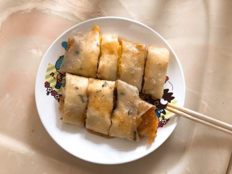 ▲許多網友一致認為「薯餅蛋餅」美味破表。(圖/NOWnews資料照)