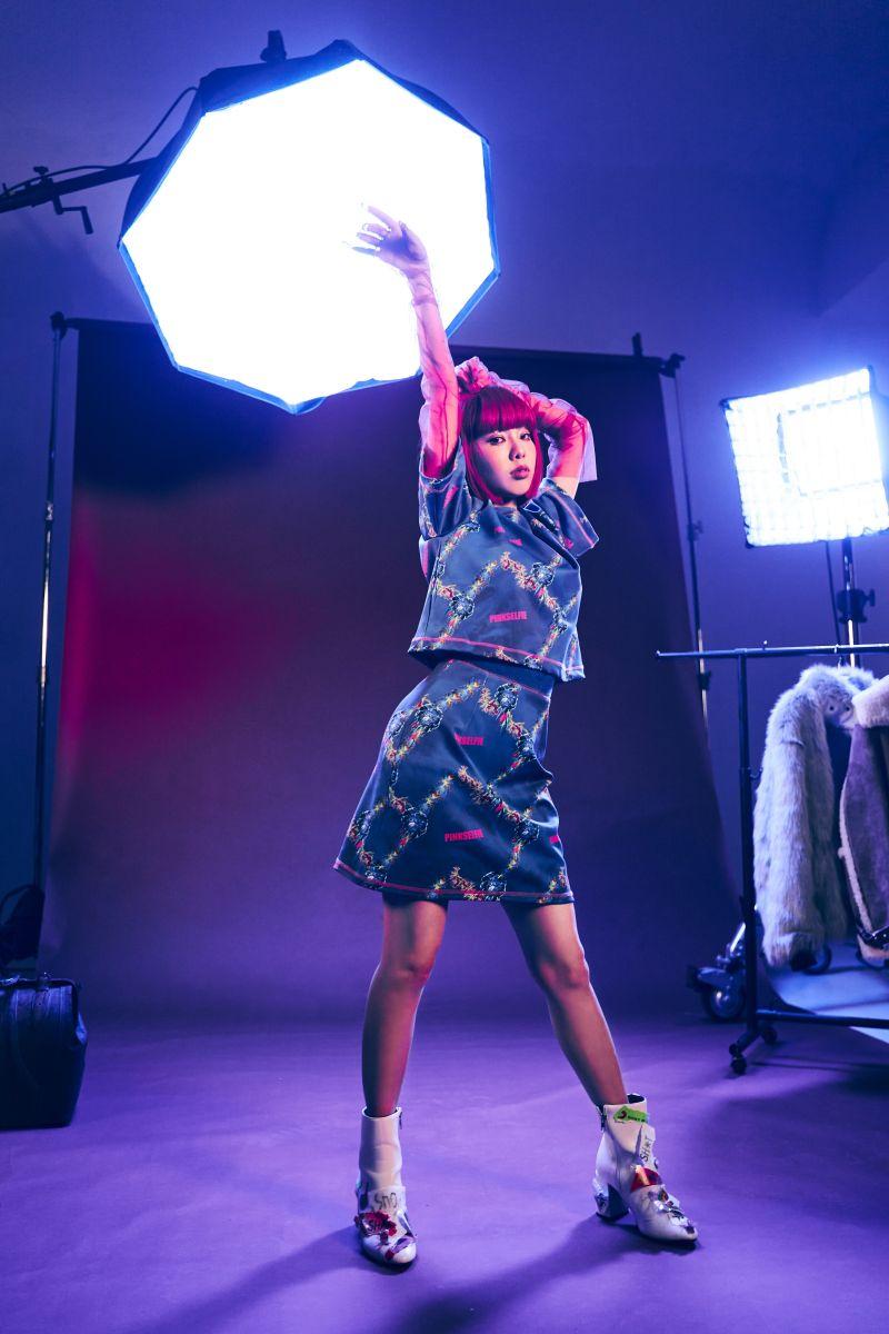 ▲Allyson陳瑾緗在MV中與多元性別演員尬美。(圖/索尼音樂提供)